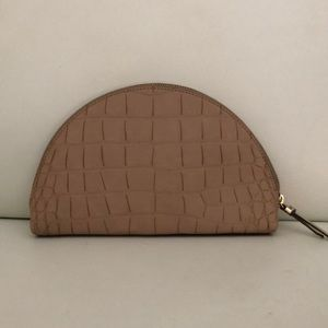 BANANA REPUBLIC Tan Embossed Leather Pouch/Clutch